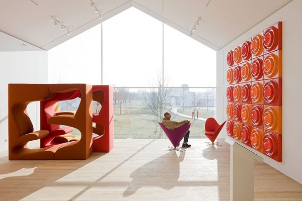 Herzog-de-Meuron-Vitra-Haus-interior-3-600x400